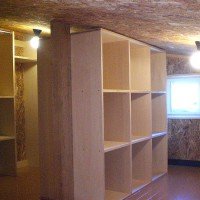 ロフトに設けた収納スペース