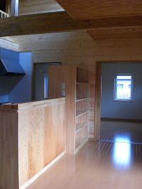 キッチンカウンターと造作収納