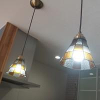ステンドグラスのペンダント照明