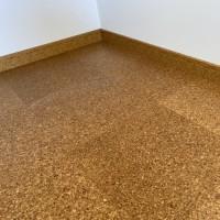 増築洋室コルクタイル床